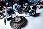 Большой выбор оригинальных запасных частей для различных моделей машин