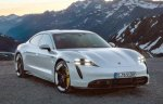 Четырехдверный спортивный электрокар Porsche Taycan